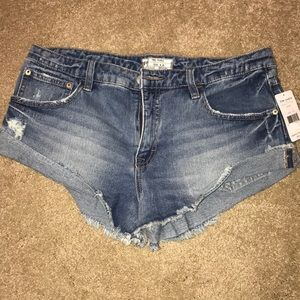 NEW WITH TAGS FREE PEOPLE DENIUM SHORTS